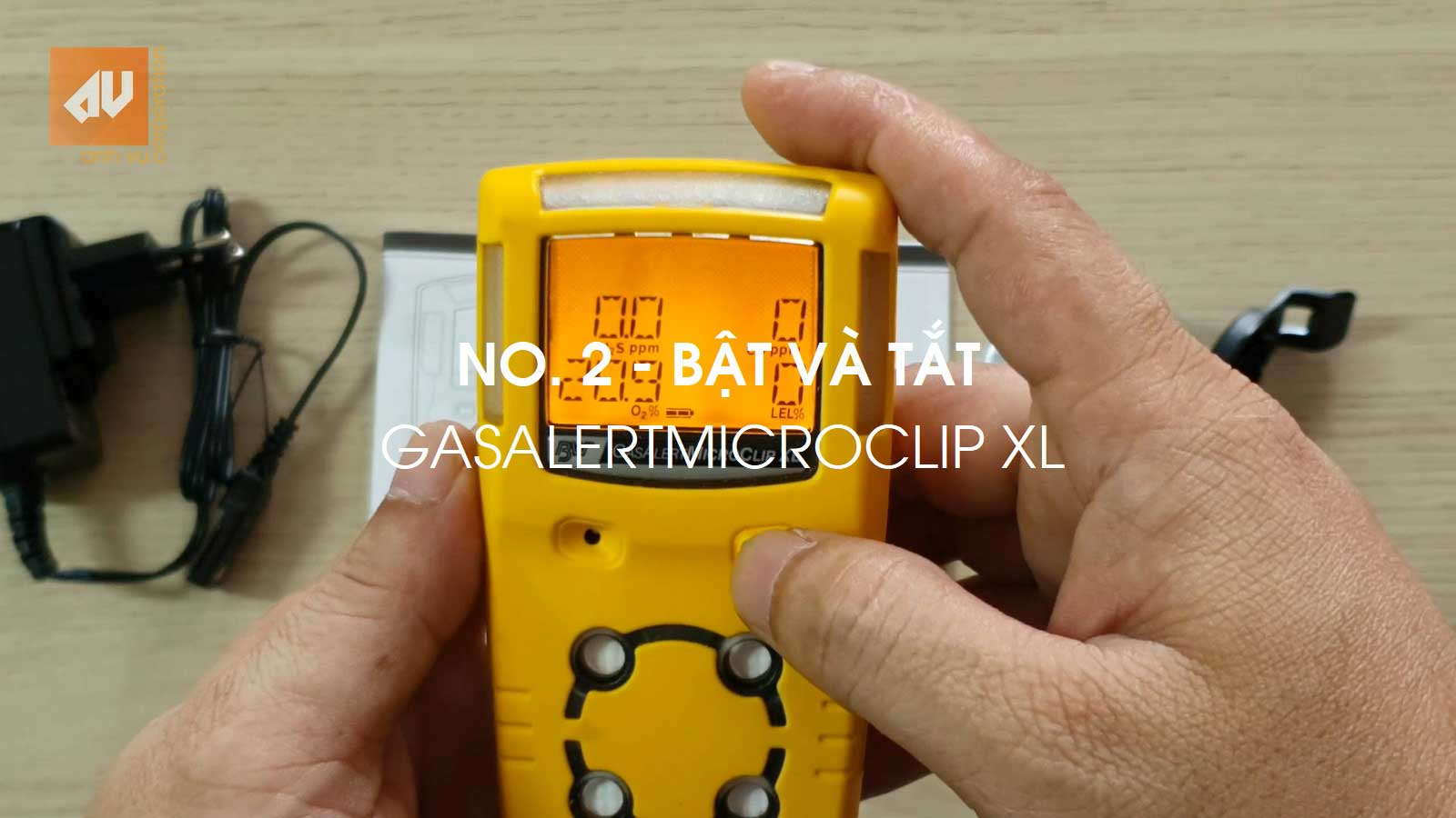 Turn ON/OFF 4 gases detector GasAlertMicroClip XL